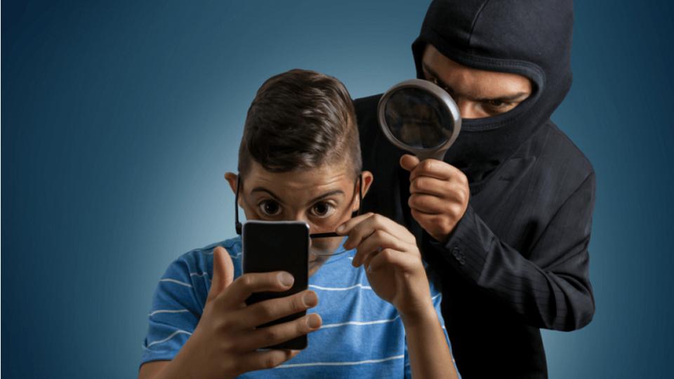 Installer logiciel espion smartphone