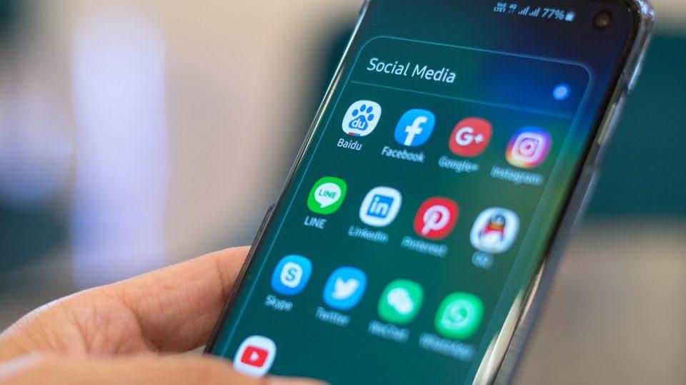 Devenir populaire sur les réseaux sociaux